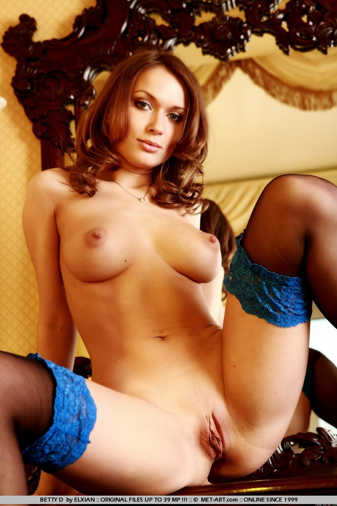 betty-d-stockings-met-art-03