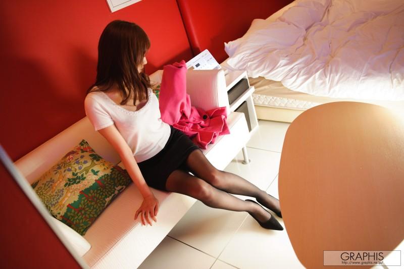 alice-miyuki-black-pantyhose-nude-graphis-03