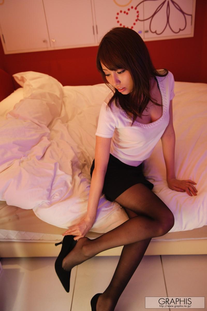 alice-miyuki-black-pantyhose-nude-graphis-08