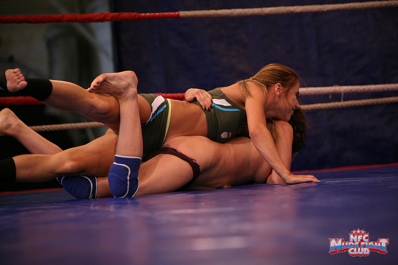 alina-henessy-nikky-thorne-nude-fight-club-24