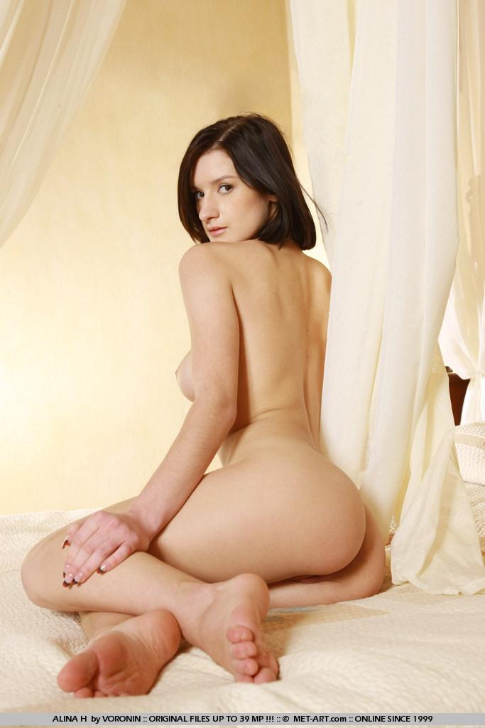alina-h-naked-boobs-bedroom-metart-13