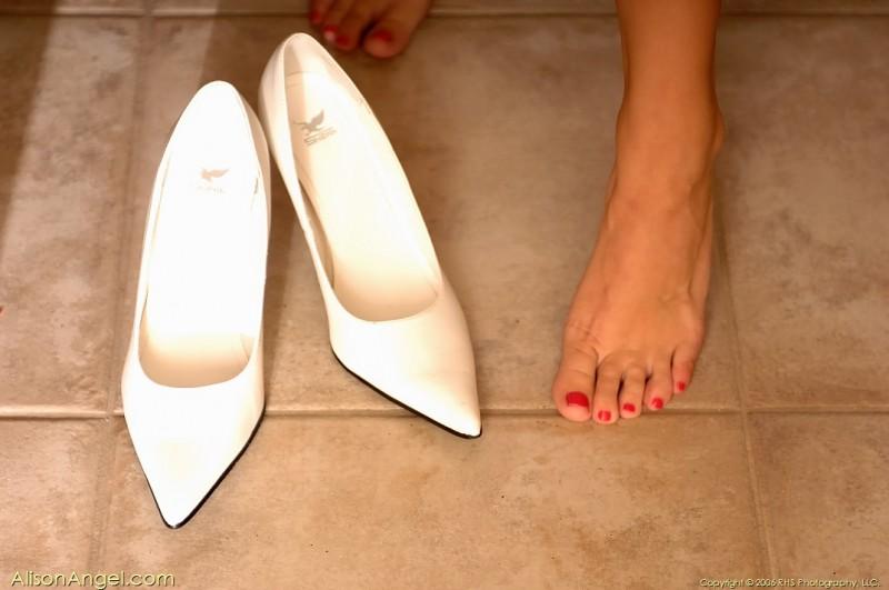 alison-angel-naked-in-high-heels-24