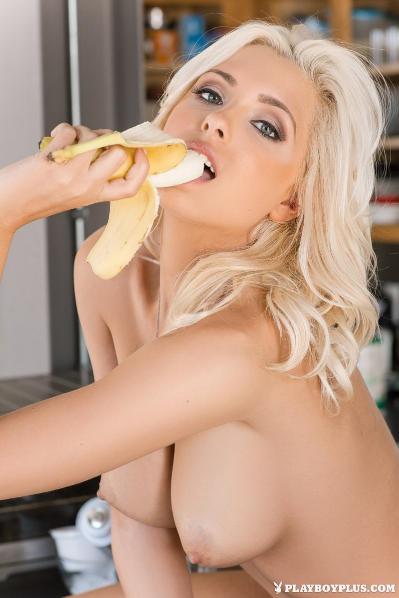 alissa-arden-kitchen-knee-socks-playboy-07