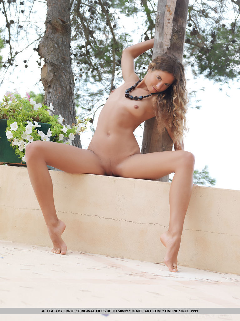 altea-b-nude-terrace-metart-02