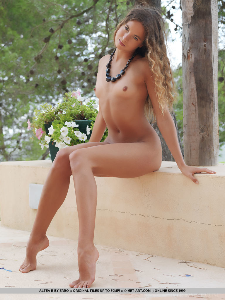 altea-b-nude-terrace-metart-06