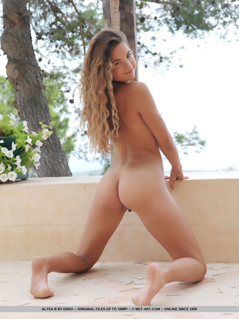 altea-b-nude-terrace-metart-07
