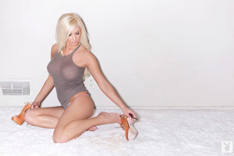 alysson-holt-boobs-blonde-naked-playboy-03