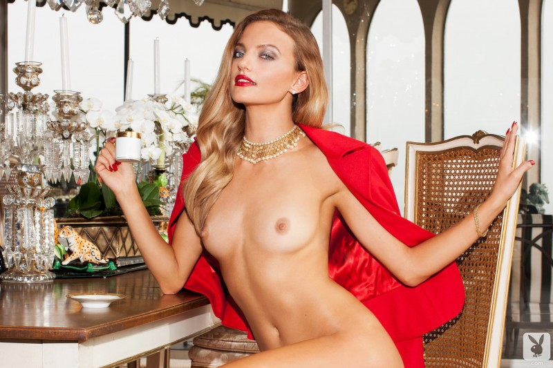 amanda-booth-blonde-nude-playboy-14