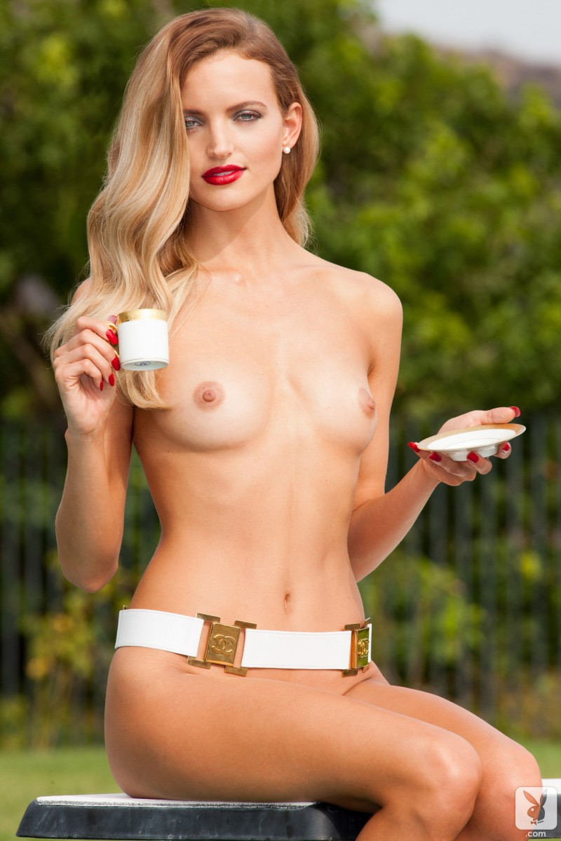 amanda-booth-blonde-nude-playboy-16