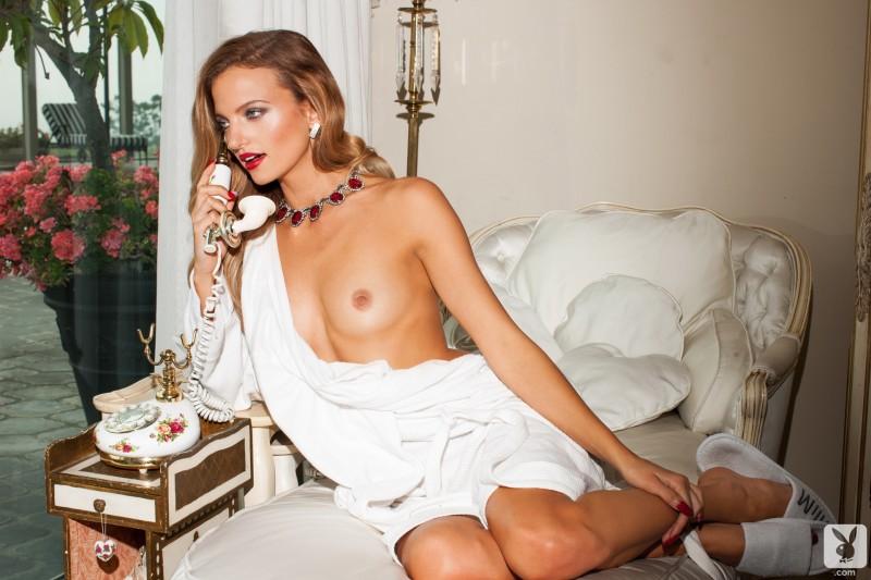 amanda-booth-naked-playboy-01