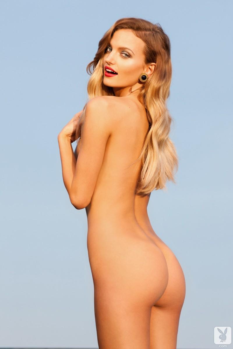 amanda-booth-naked-playboy-16