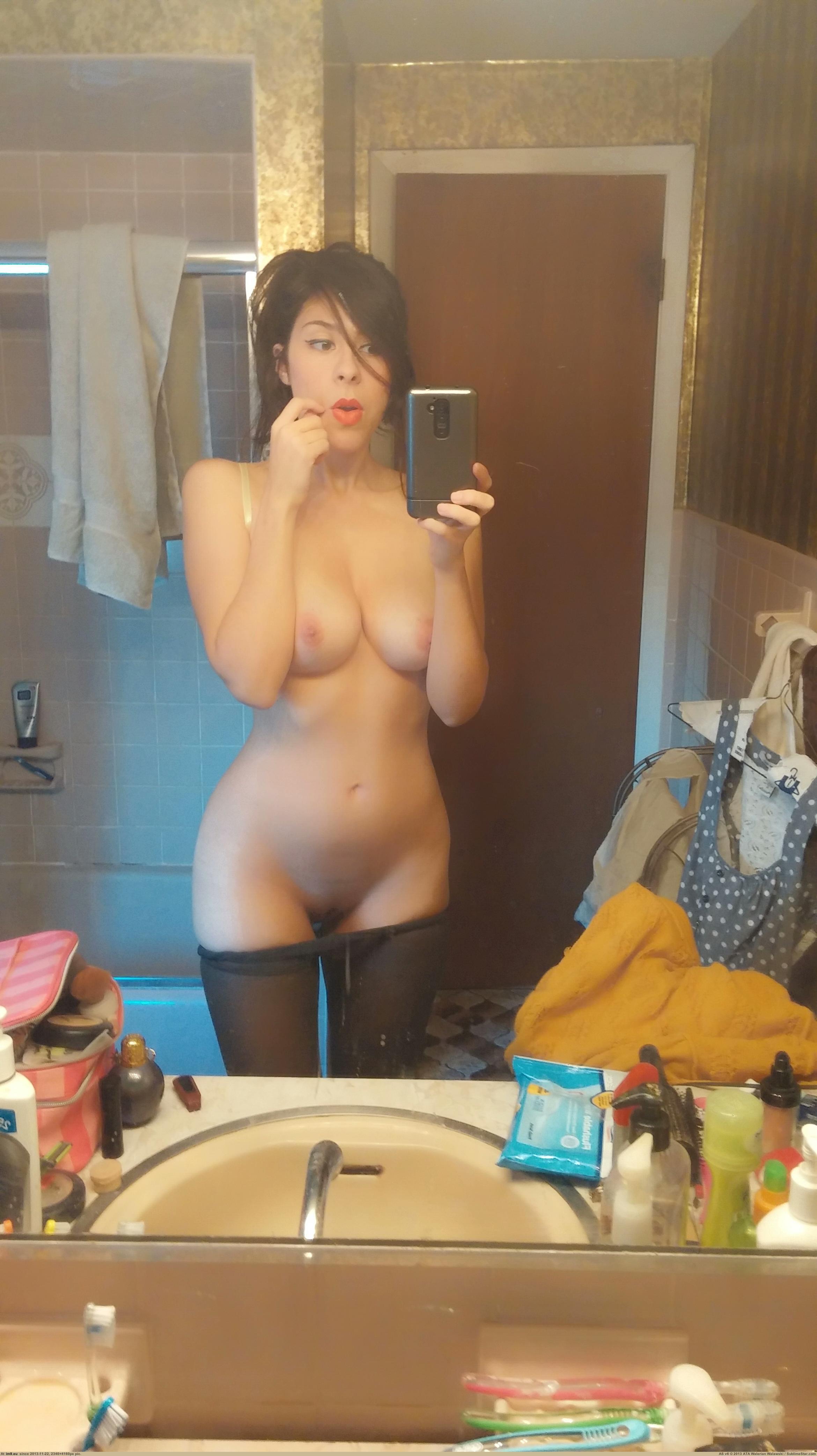 amateur-girl-boobs-selfshot-in-mirror-nude-15