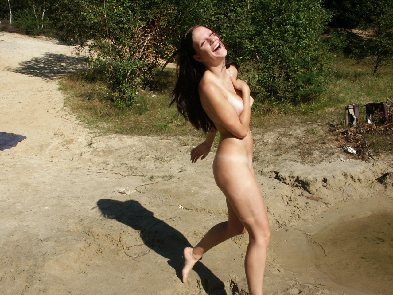 Amateur wife naked at the lake