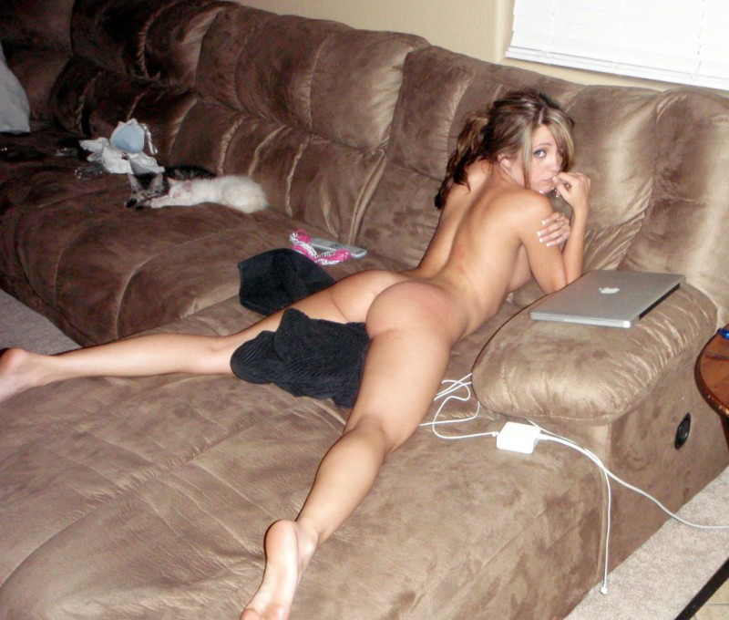 couch on Naked the girls amateur