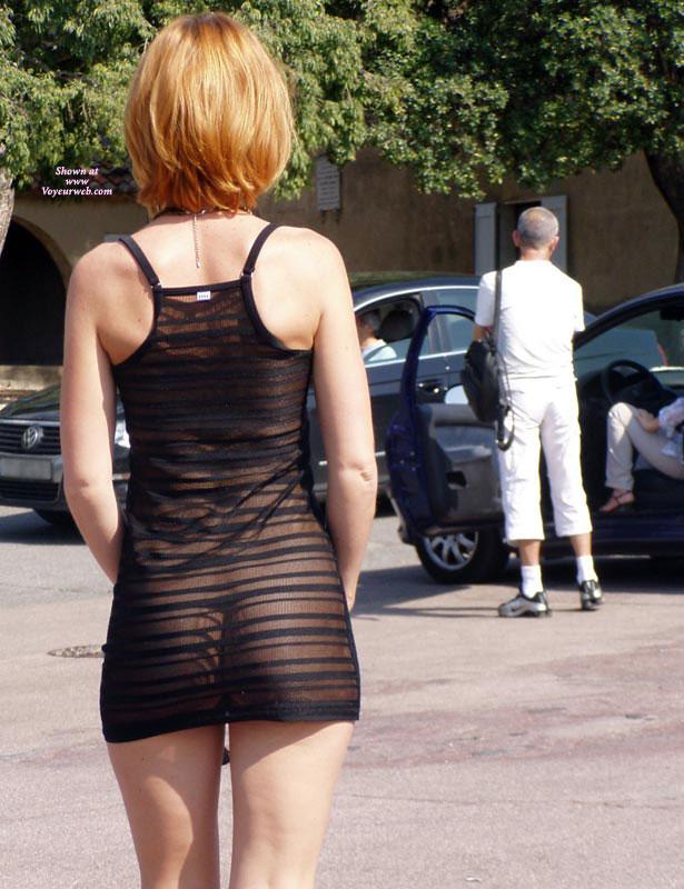 amateur-redhead-nude-in-public-03