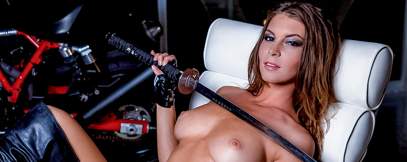 Amber Sym – Guns, swords & motorbikes