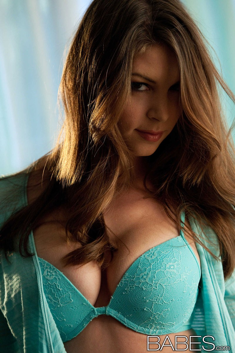amber-sym-turquoise-lingerie-babes-01