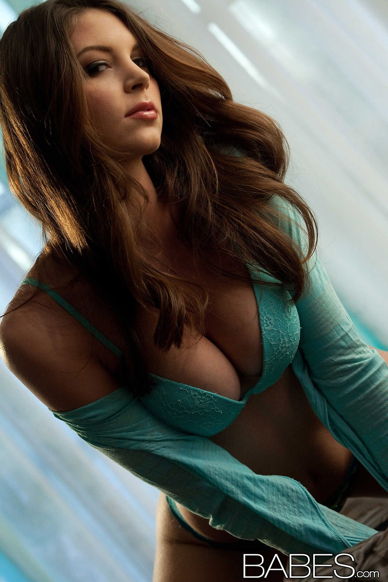 amber-sym-turquoise-lingerie-babes-03