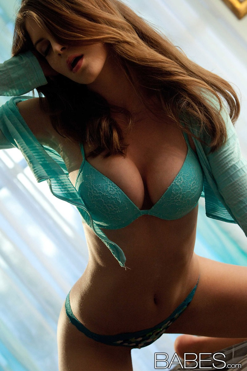 amber-sym-turquoise-lingerie-babes-04