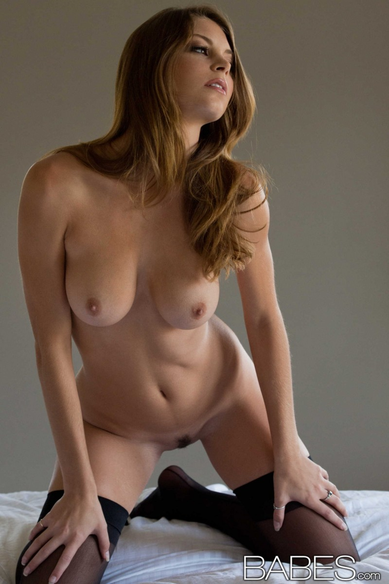 amber-sym-nude-stockings-babes-21