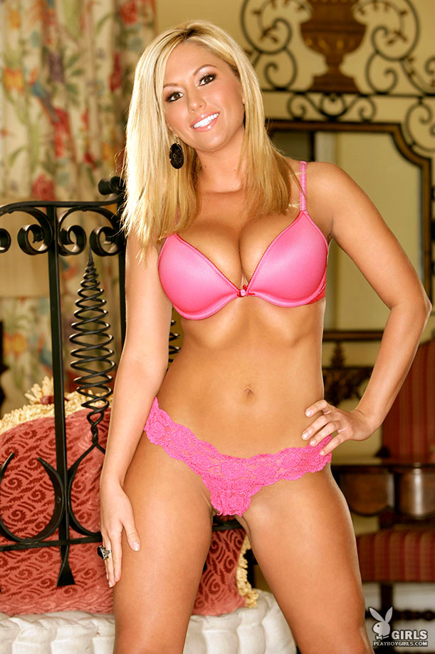 amy-leigh-andrews-pink-lingerie-playboy-01