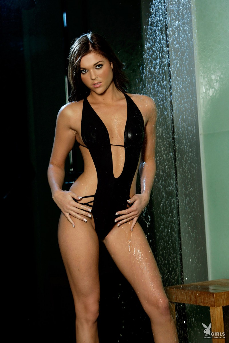 amy-marie-shower-naked-playboy-01