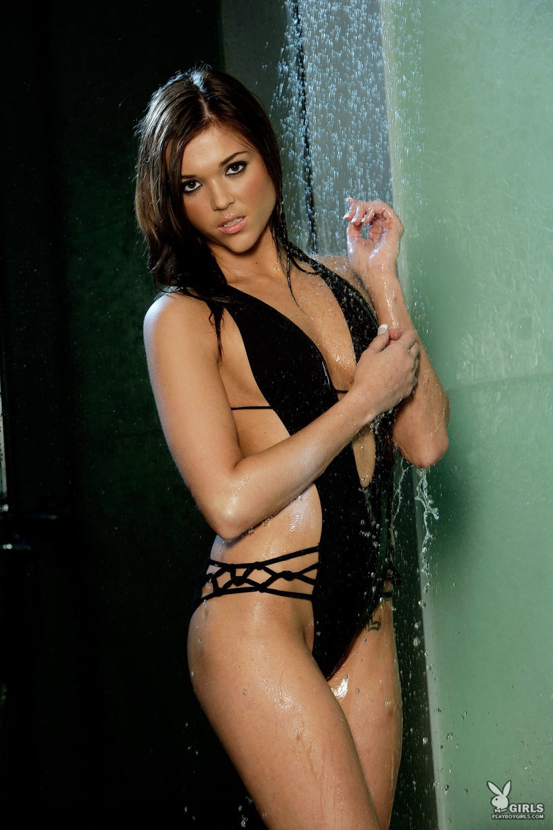 amy-marie-shower-naked-playboy-02
