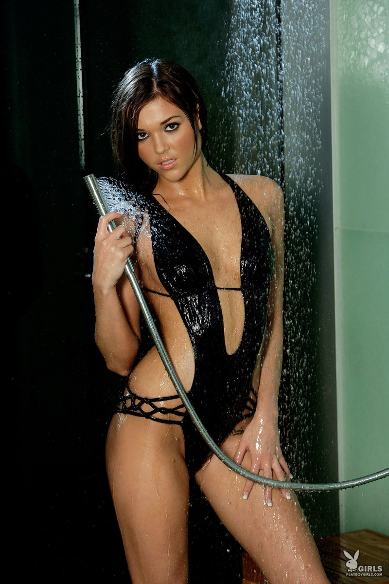 amy-marie-shower-naked-playboy-05