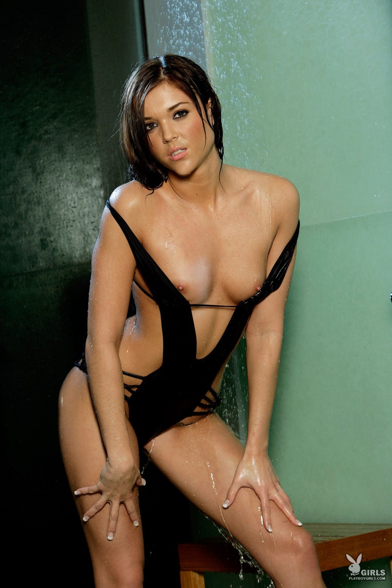 amy-marie-shower-naked-playboy-08