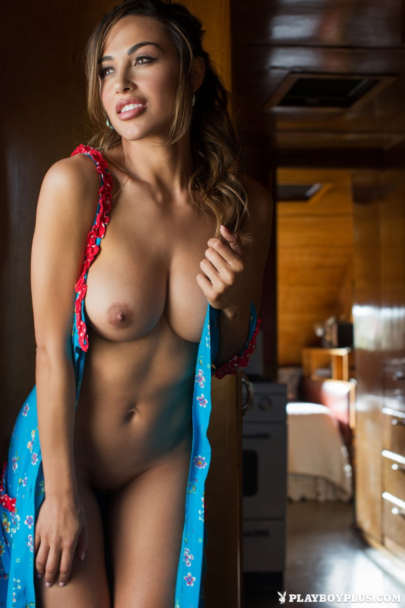 ana-cheri-mobile-home-trailer-nude-playboy-10