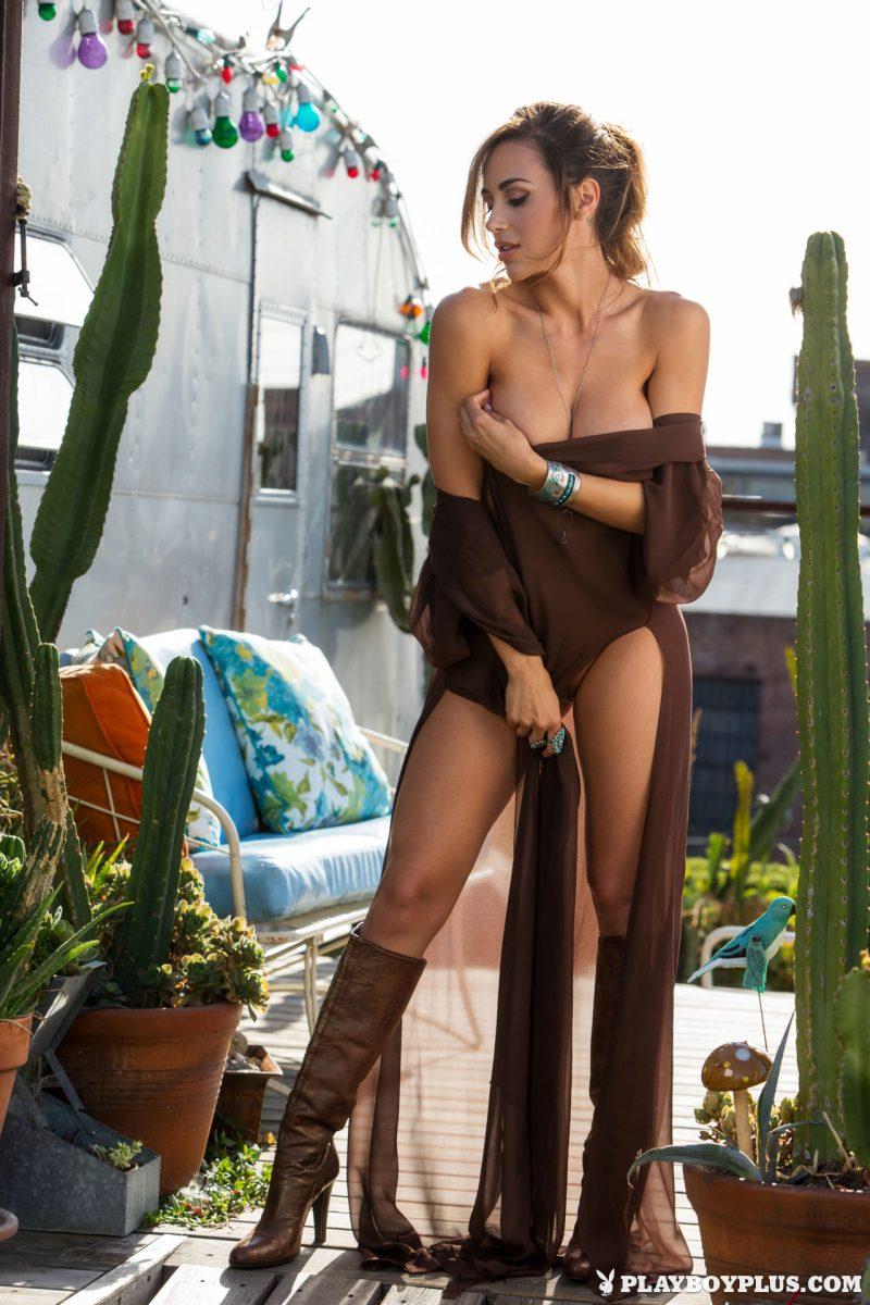 ana-cheri-trailer-park-naked-playboy-08