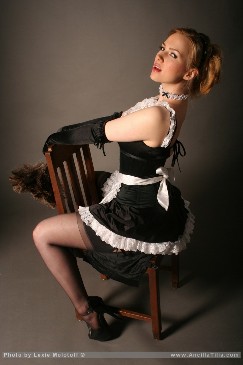 ancilla-tilia-blonde-boobs-maid-01