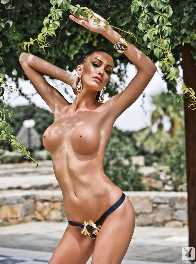 andreani-tsafou-nude-greece-playboy-02