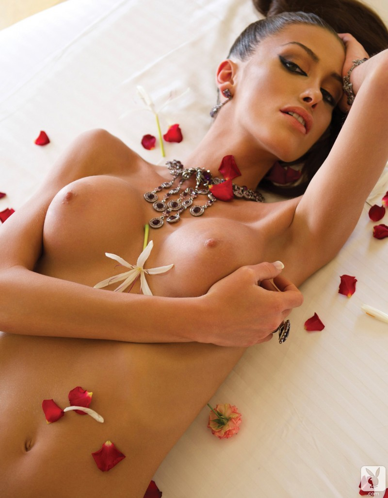 andreani-tsafou-nude-greece-playboy-14