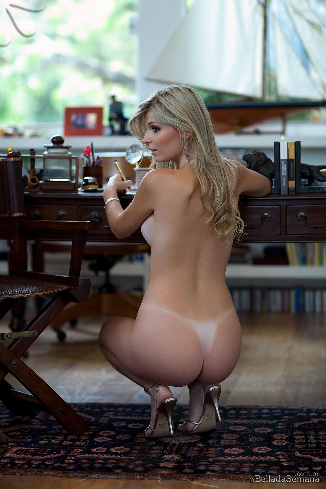angelica-woicichoski-tan-lines-blonde-brazilian-bella-da-semana-11