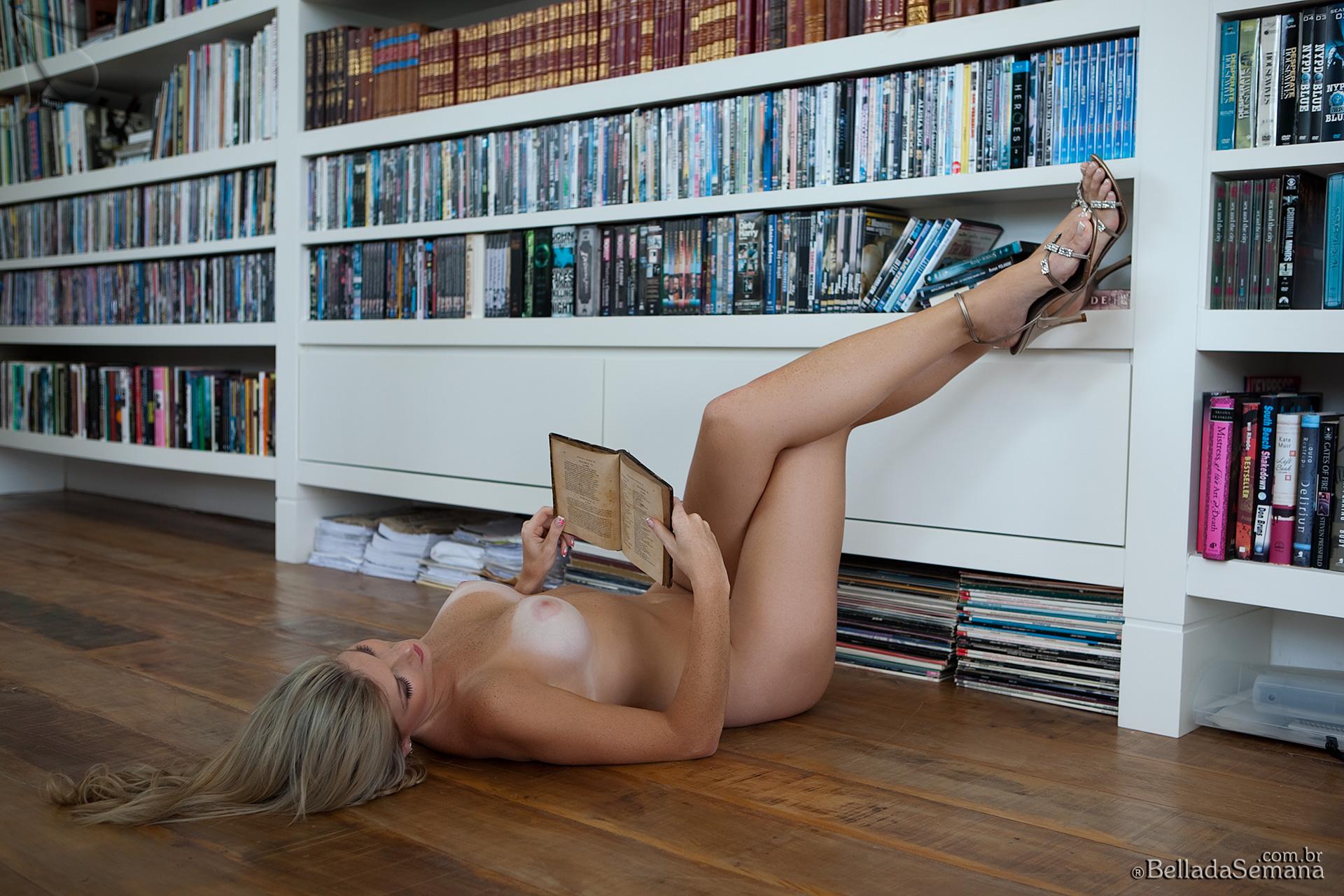 angelica-woicichoski-tan-lines-blonde-brazilian-bella-da-semana-25