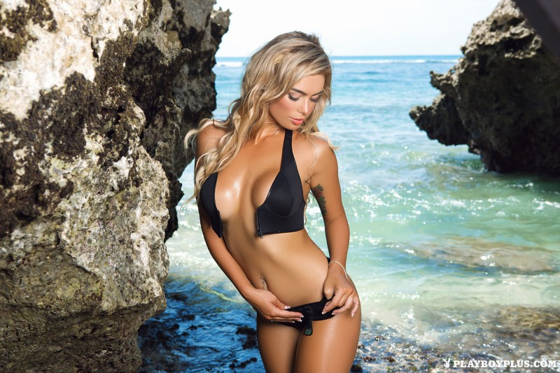 anika-shay-seaside-nude-beach-playboy-02