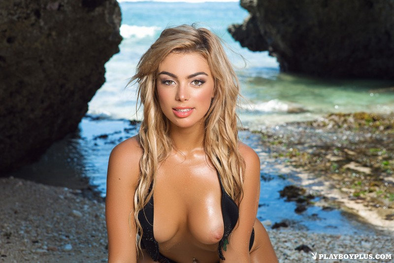 anika-shay-seaside-nude-beach-playboy-07