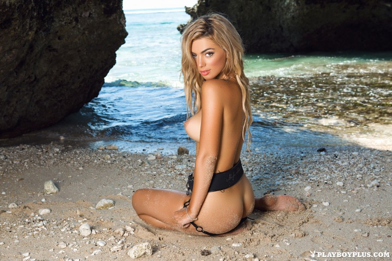 anika-shay-seaside-nude-beach-playboy-10