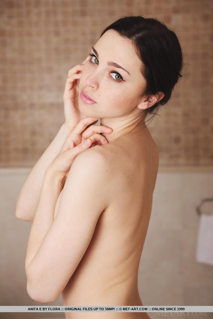anita-e-bath-nude-metart-02