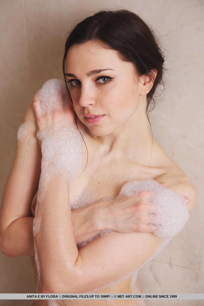 anita-e-bath-nude-metart-18
