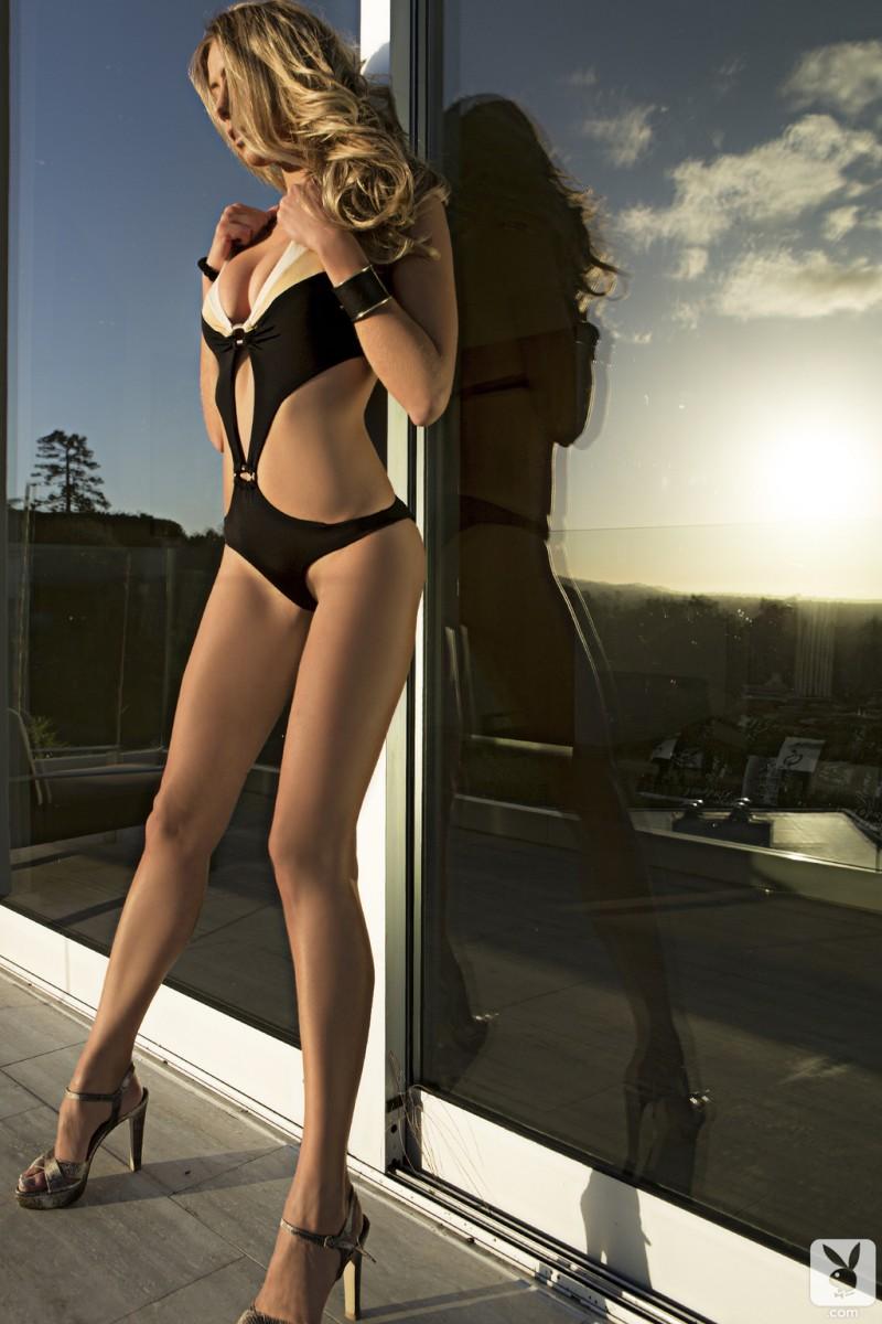 anna-beletzki-bikini-playboy-05