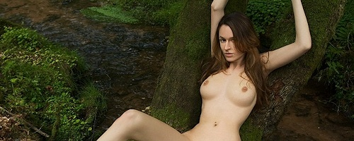 Anna Leah – Naked in the woods