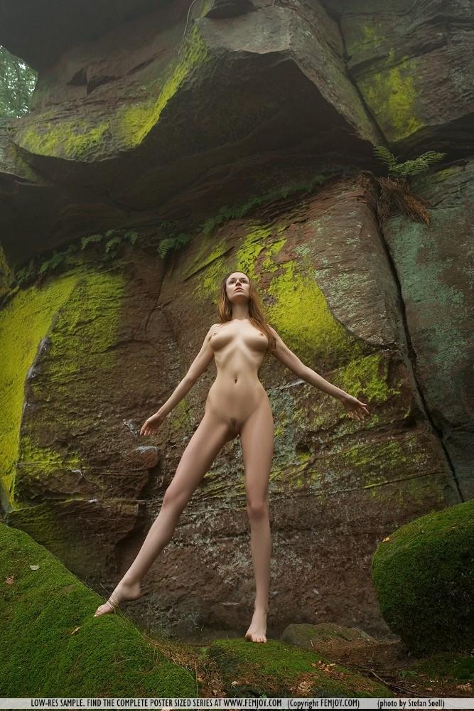 anna-leah-rocks-femjoy-06