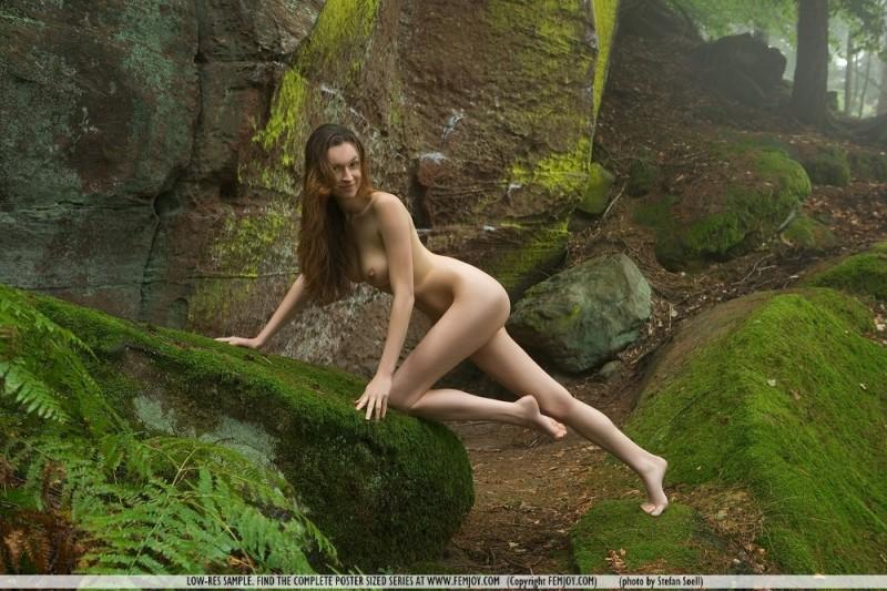 anna-leah-rocks-femjoy-10