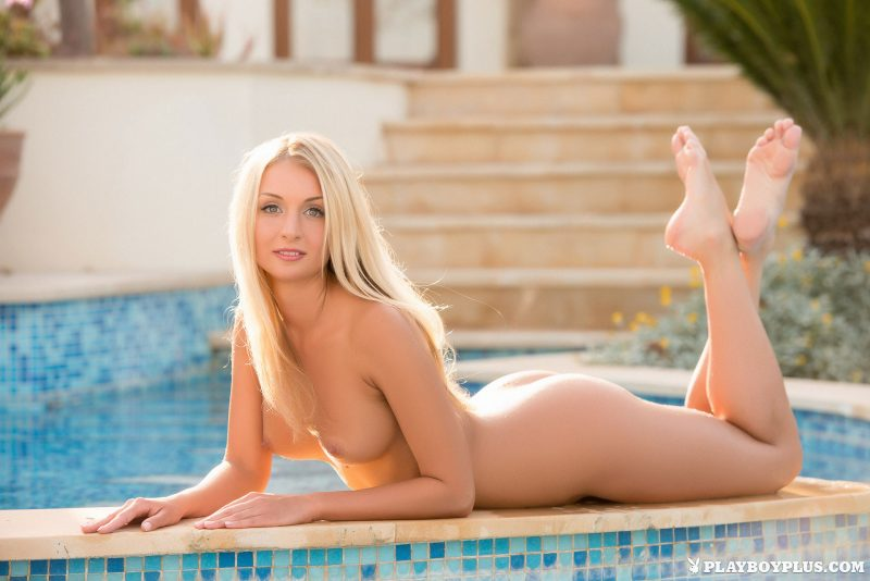anna-mari-bikini-nude-pool-playboy-18