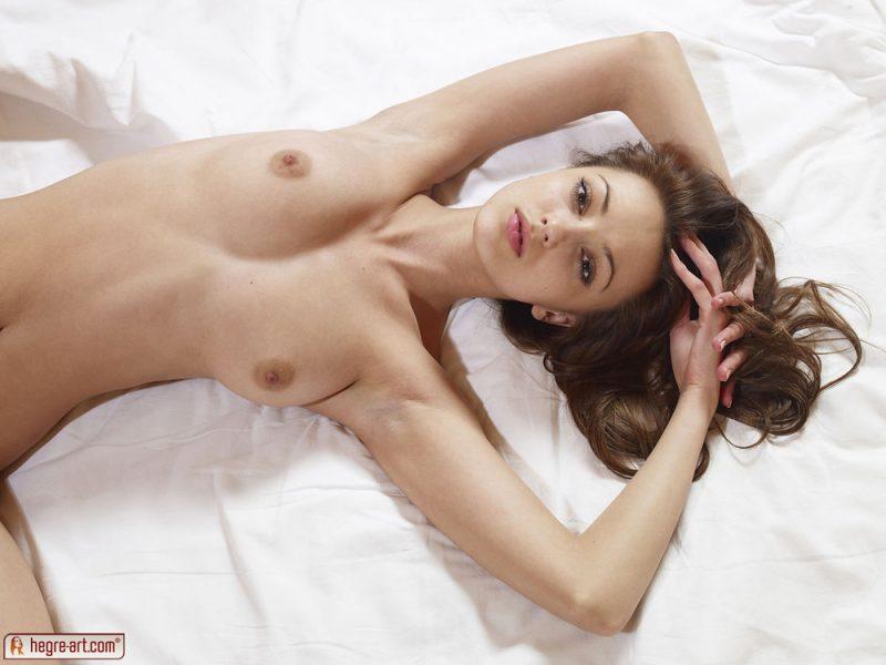 anna-s-bedroom-skinny-nude-hegreart-15