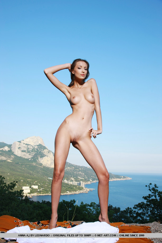 anna-aj-white-dress-nude-metart-10