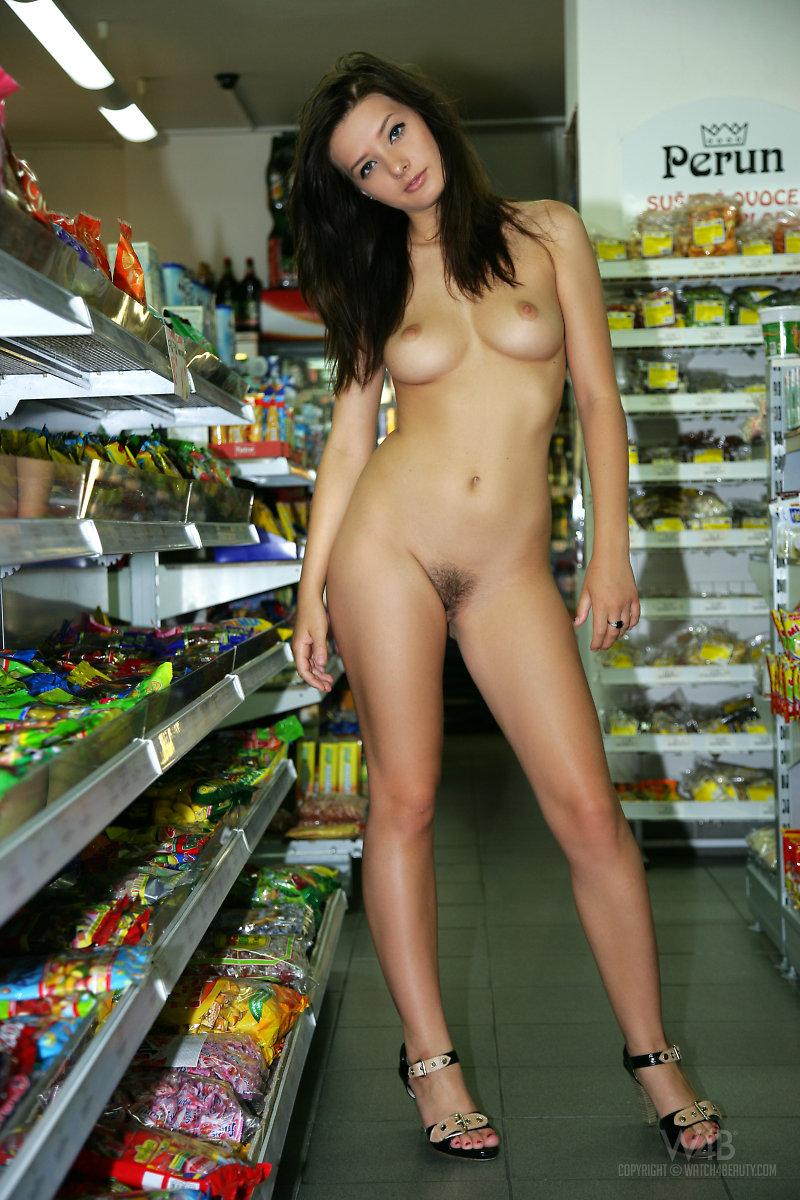 Секс с продавщицей в продуктах 16 фотография