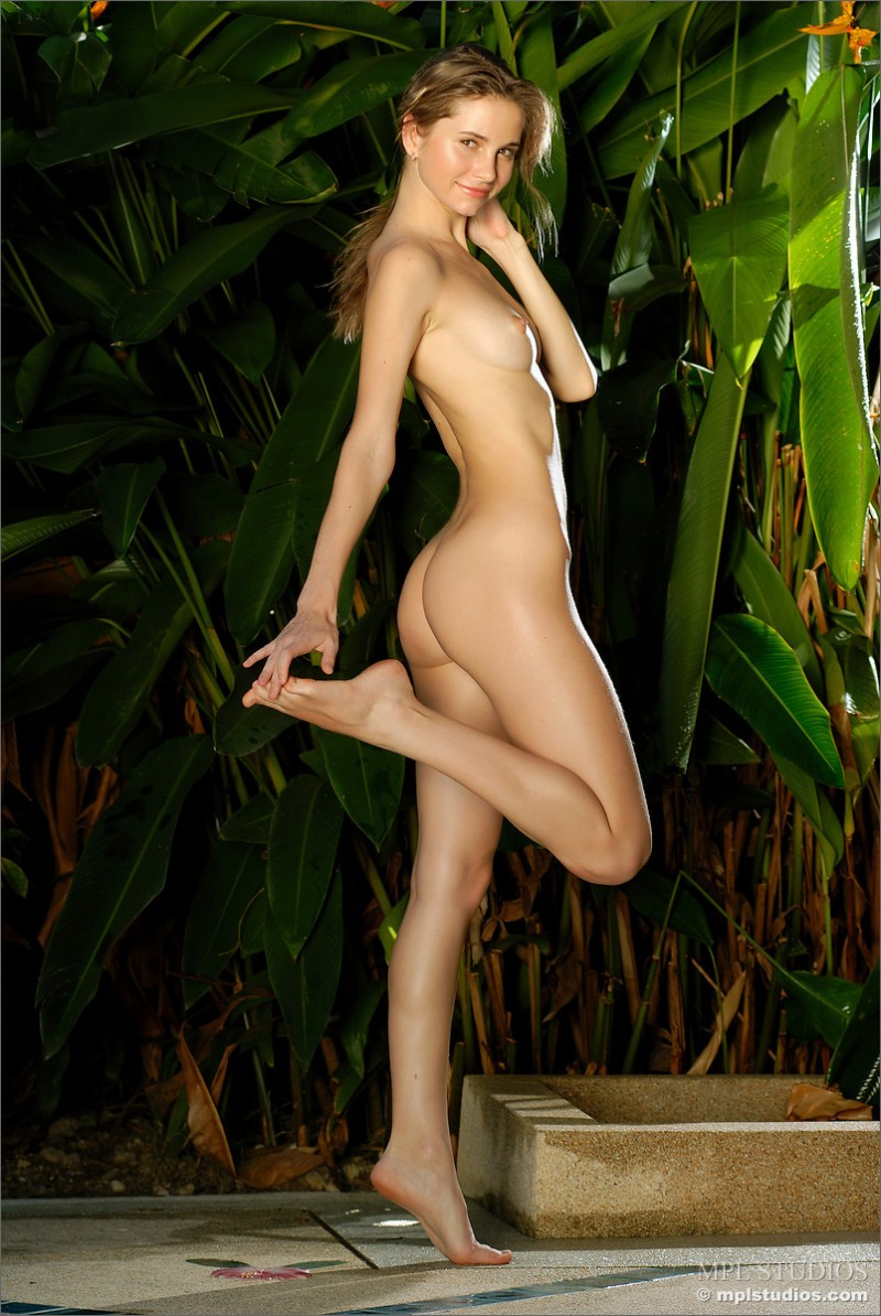 anya-garden-shower-mplstudios-02